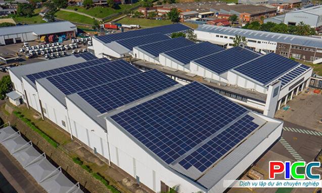 Nông nghiệp công nghệ cao kết hợp vận hành lưới điện mặt trời Azura Farm